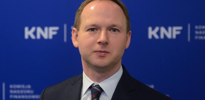W rozmowie Chrzanowskiego z Czarneckim pojawiła się sugestia, że zainteresowany przejęciem GNB mógłby być Bank Pekao kierowany przez Michała Krupińskiego.