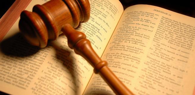 Trybunał odniósł się przede wszystkim do zarzutu zbyt krótkiego vacatio legis przyjętego w ustawie o podatku od wydobycia niektórych kopalin