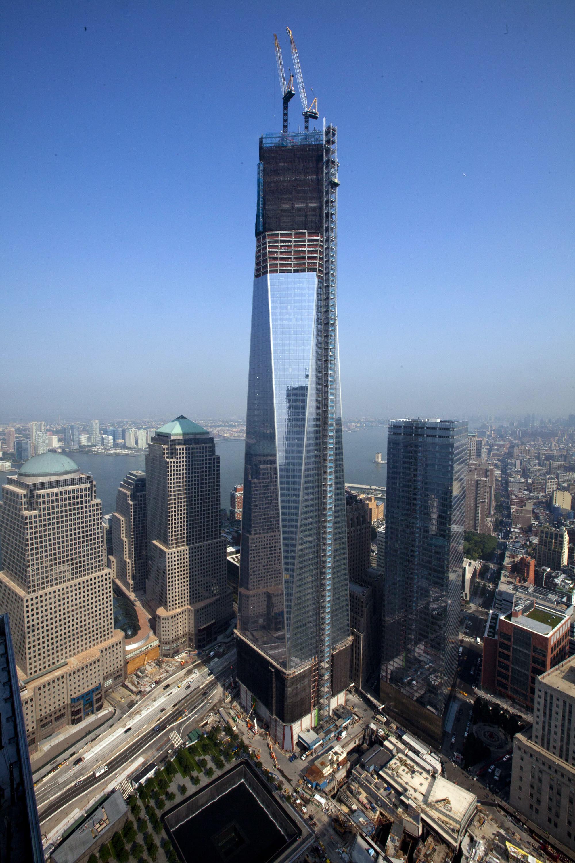 Widok z 60. piętra na budynek World Trade Center 1 w Nowym Jorku